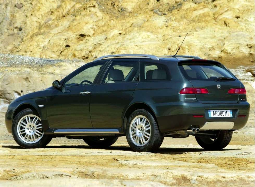 2019 Alfa Romeo 156 Crosswagon Q4 photo - 1