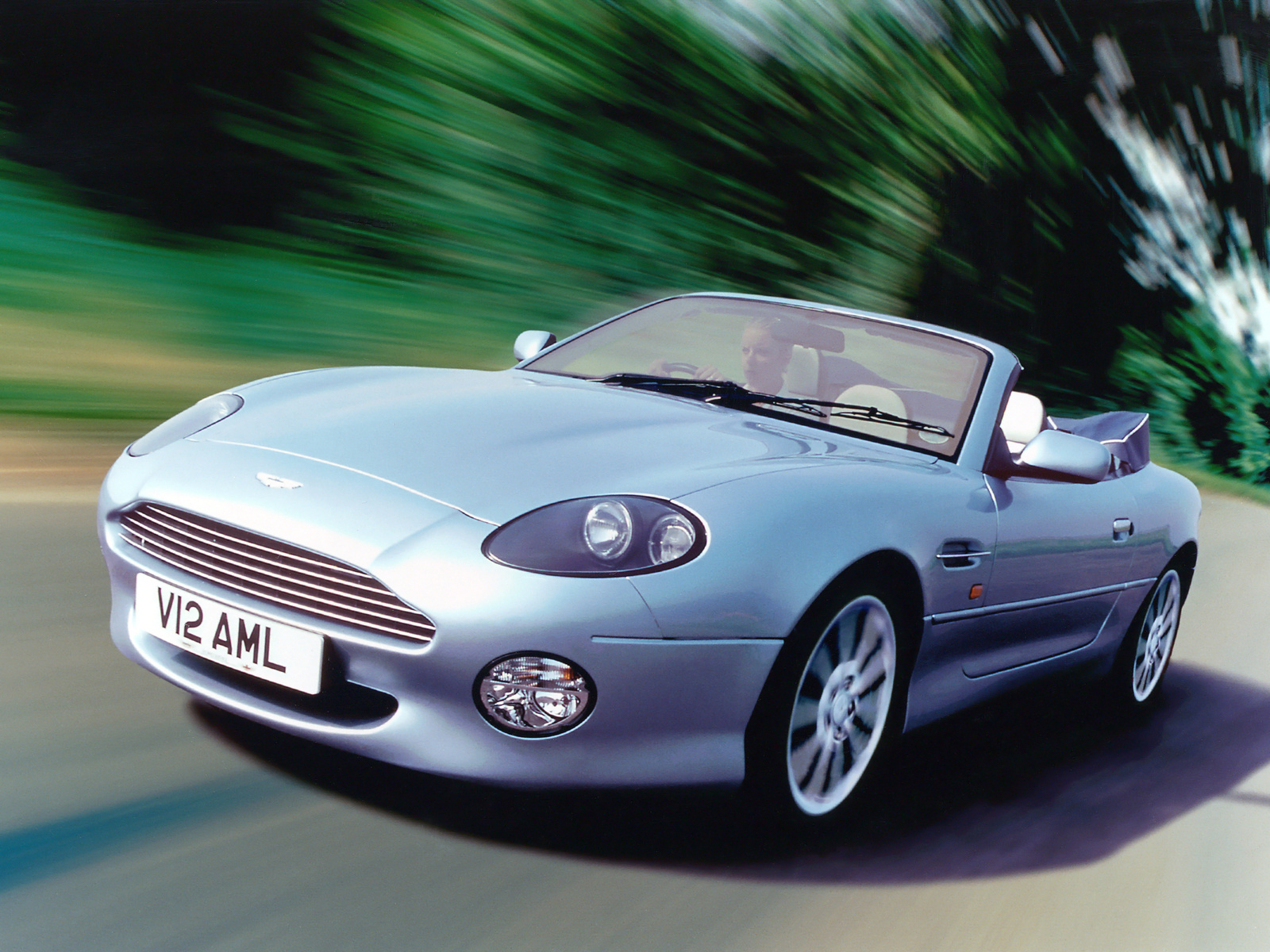 2019 Aston Martin DB7 Vantage photo - 4