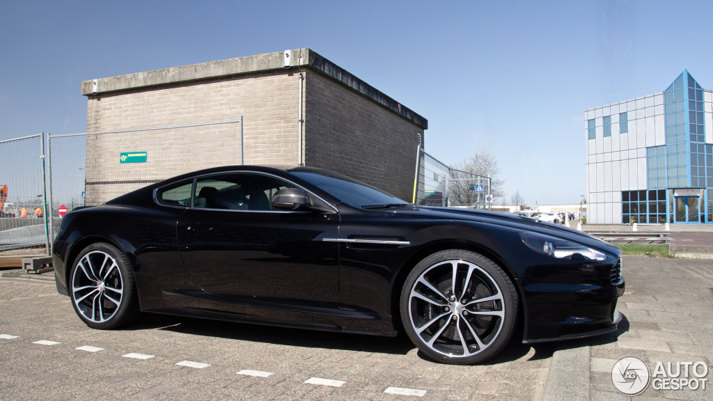 2019 Aston Martin DBS Carbon Edition photo - 3