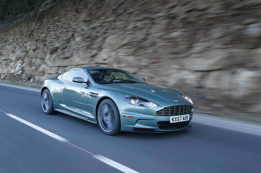 2019 Aston Martin DBS Racing Green photo - 6