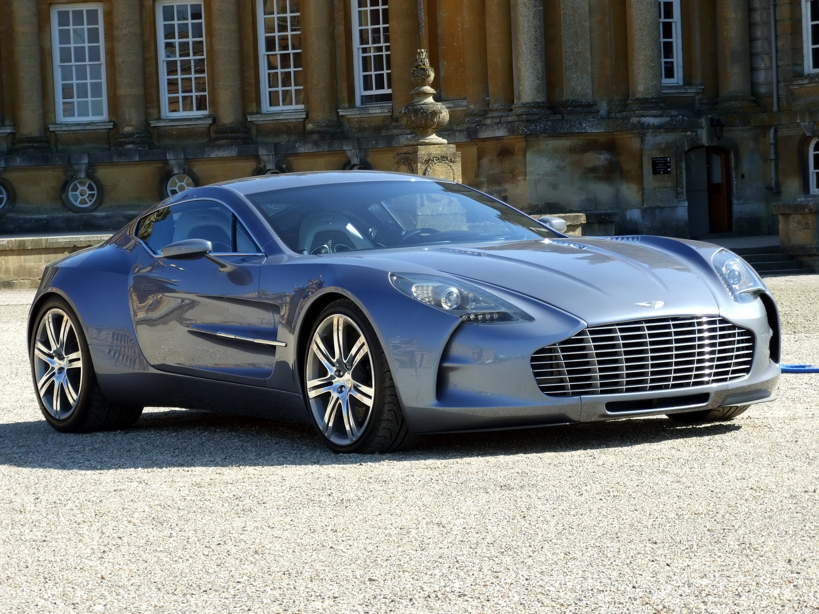 2019 Aston Martin One 77 photo - 3