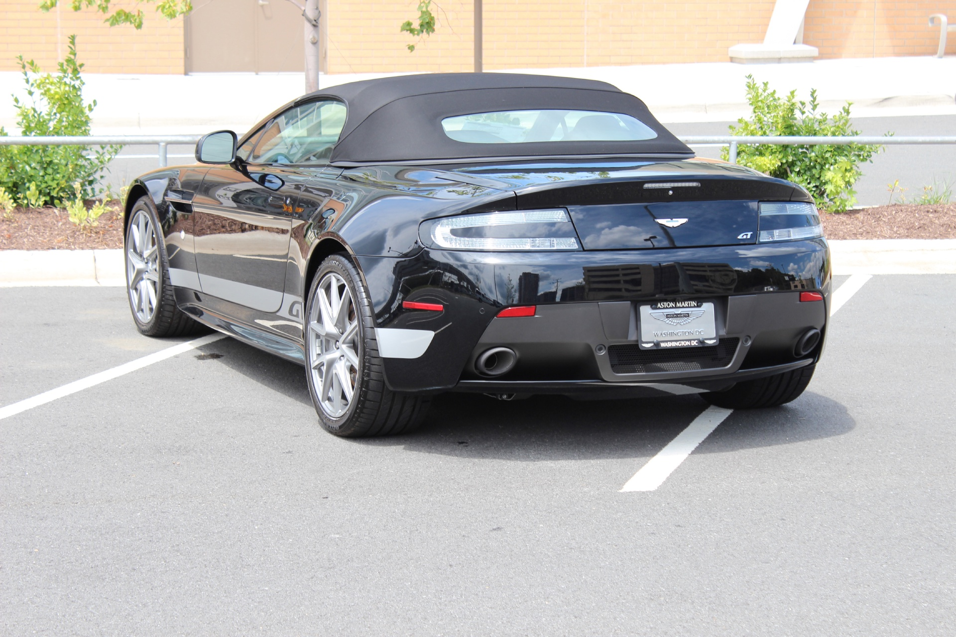 2019 Aston Martin V8 Vantage GT Roadster photo - 3
