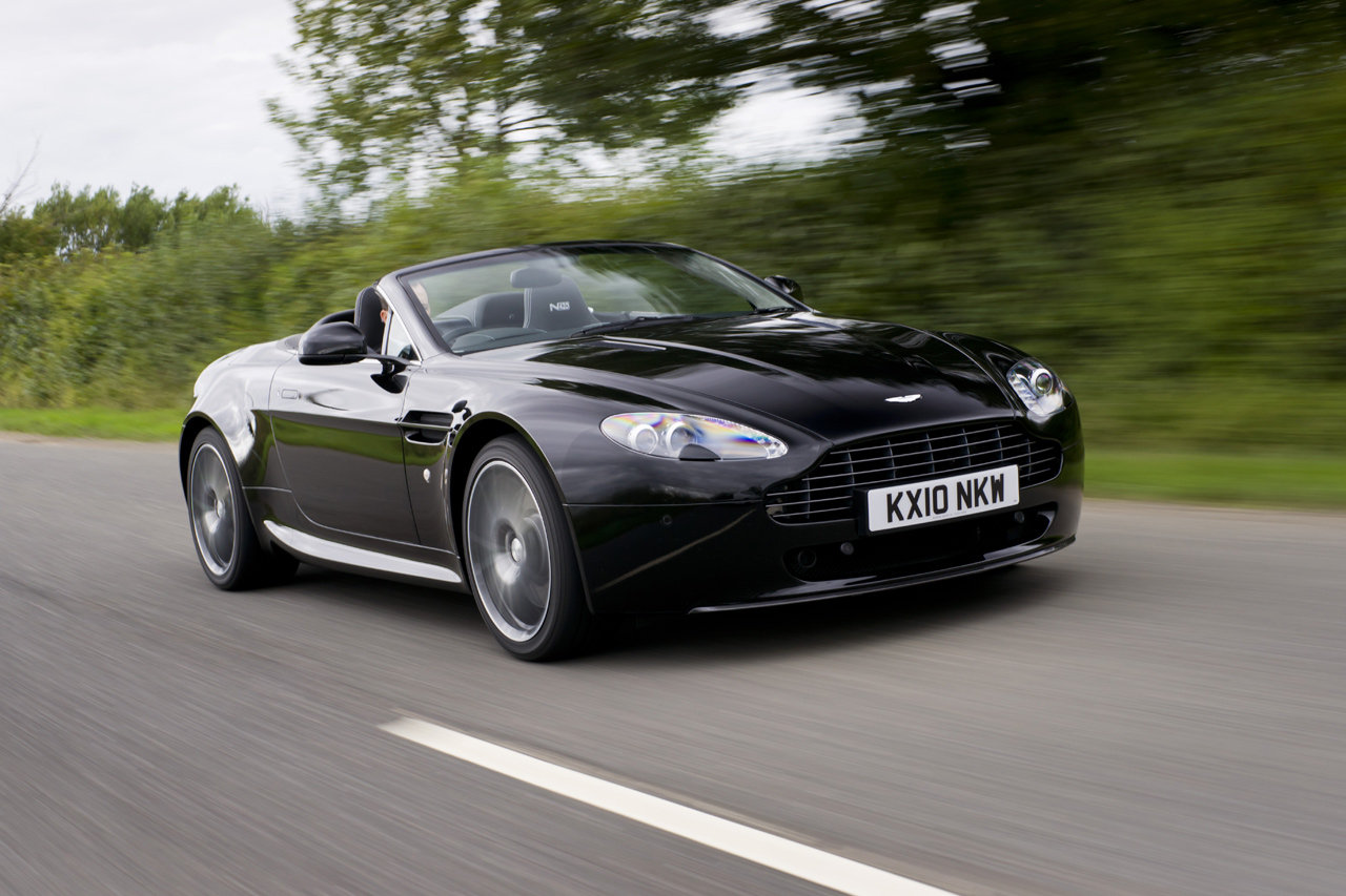 2019 Aston Martin V8 Vantage Roadster photo - 1