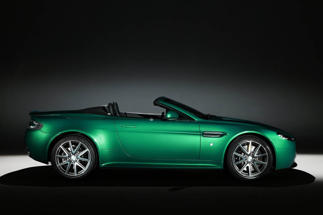 2019 Aston Martin V8 Vantage S Roadster photo - 5