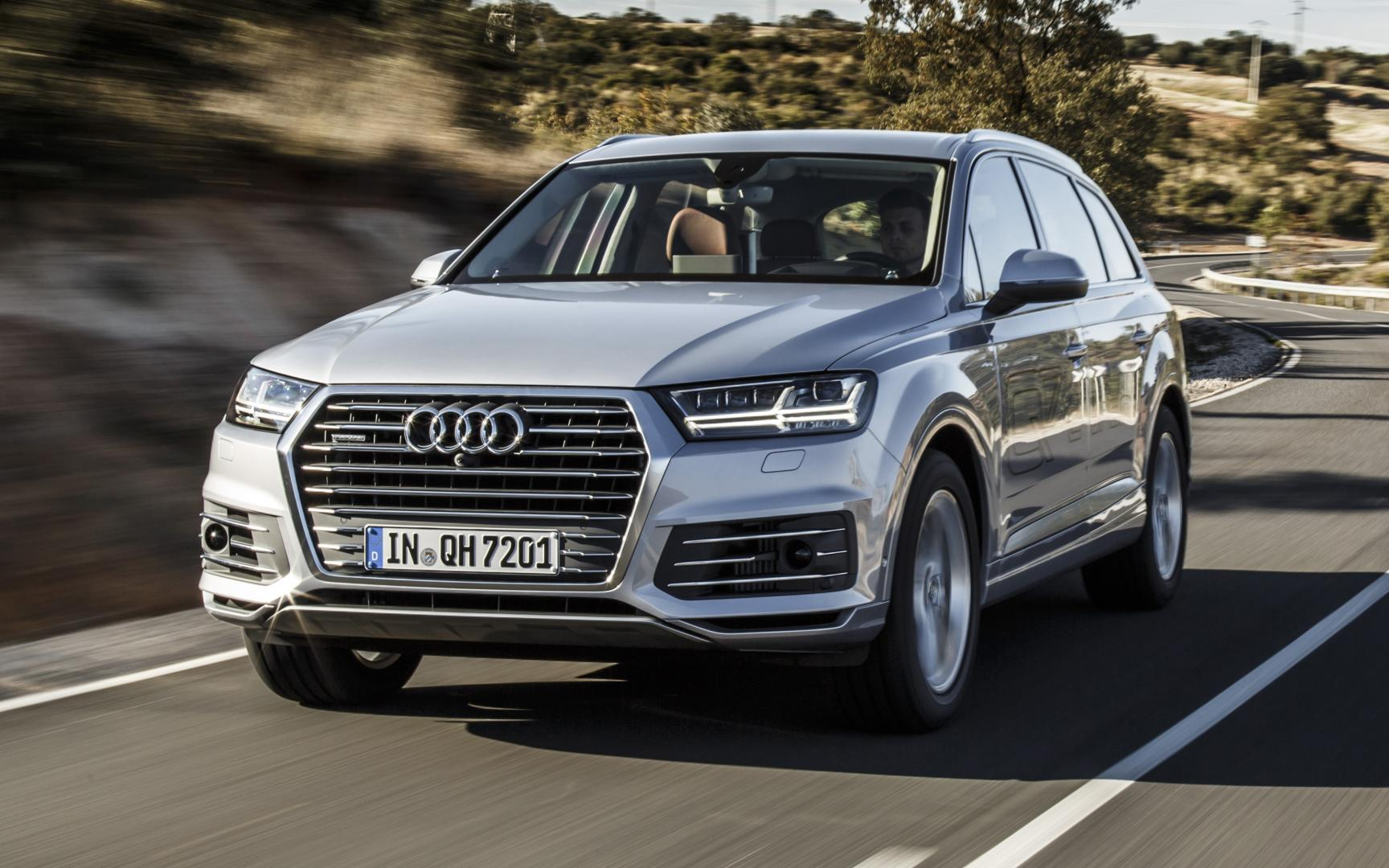 2019 Audi Q7 e tron 3.0 TDI quattro photo - 5
