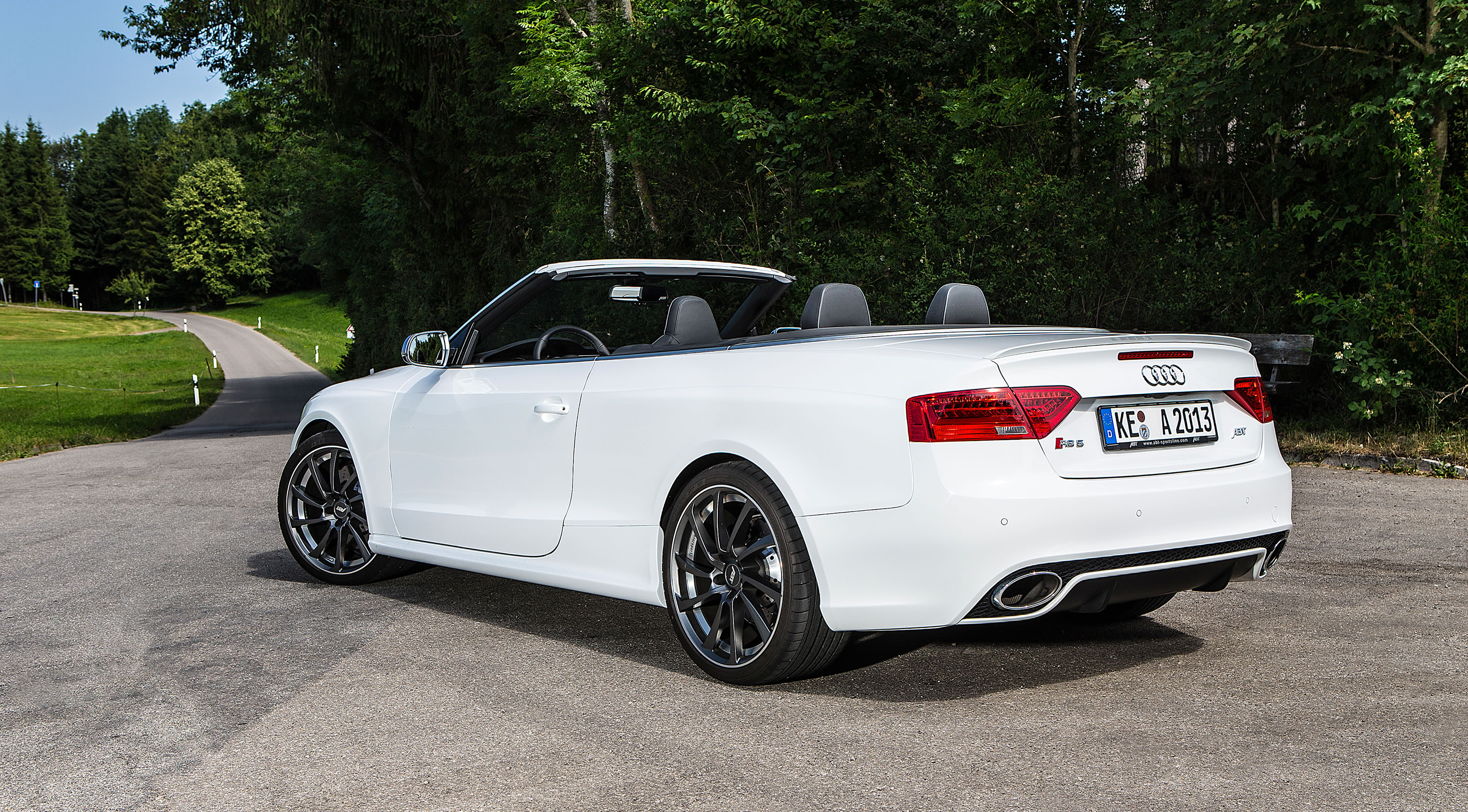 2019 Audi RS5 Cabriolet photo - 2