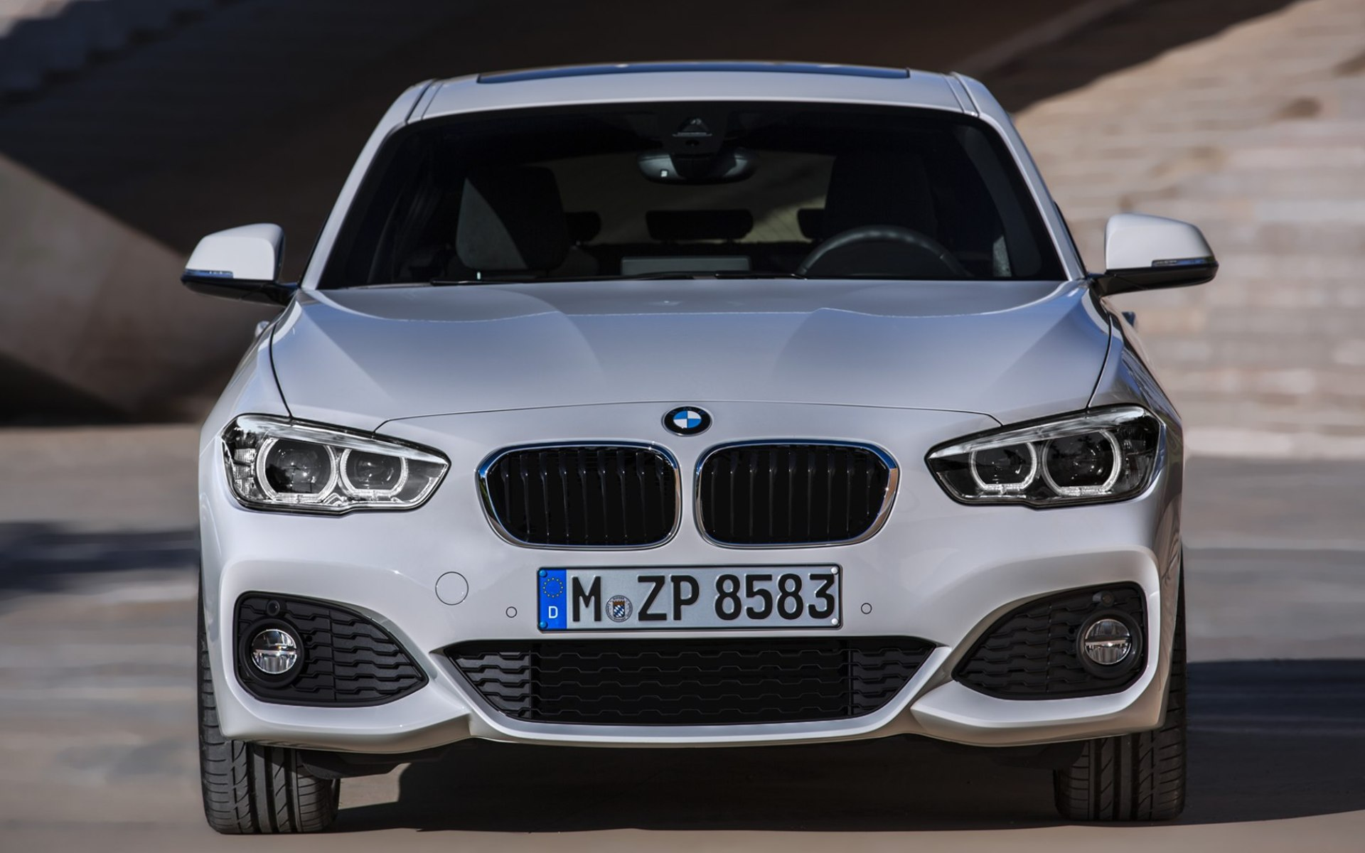 2019 BMW 1 Series 5 door photo - 4
