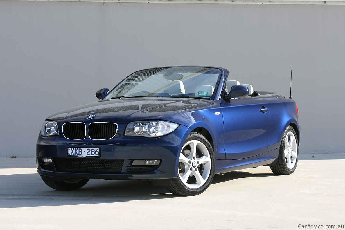 2019 BMW 1 Series Convertible photo - 2