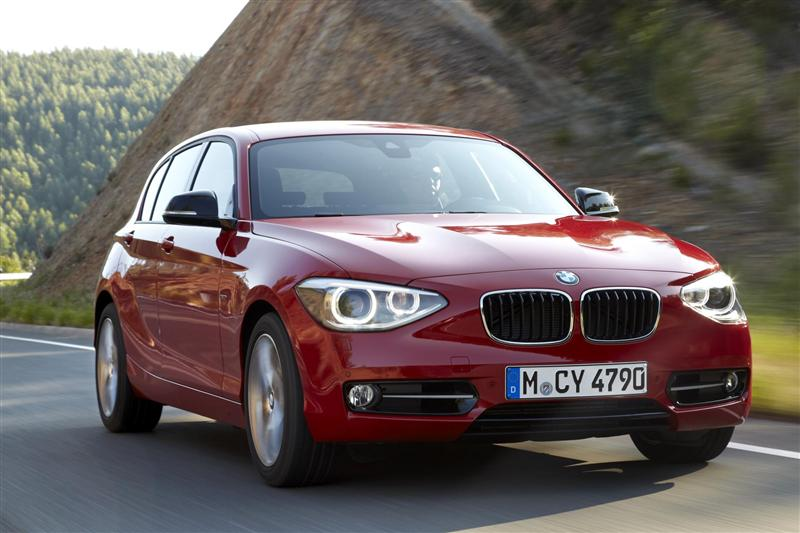 2019 BMW 1 Series Sport Line photo - 2