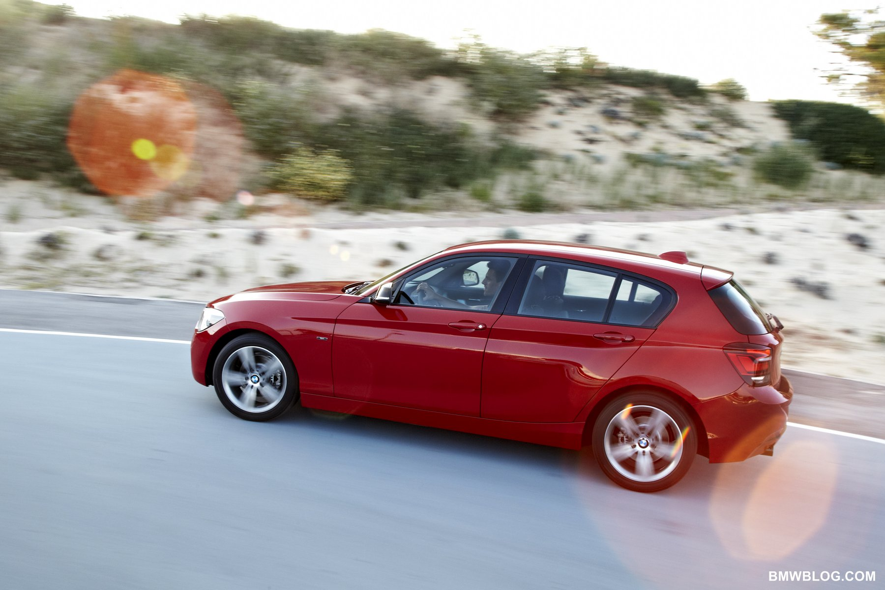 2019 BMW 1 Series Sport Line photo - 3