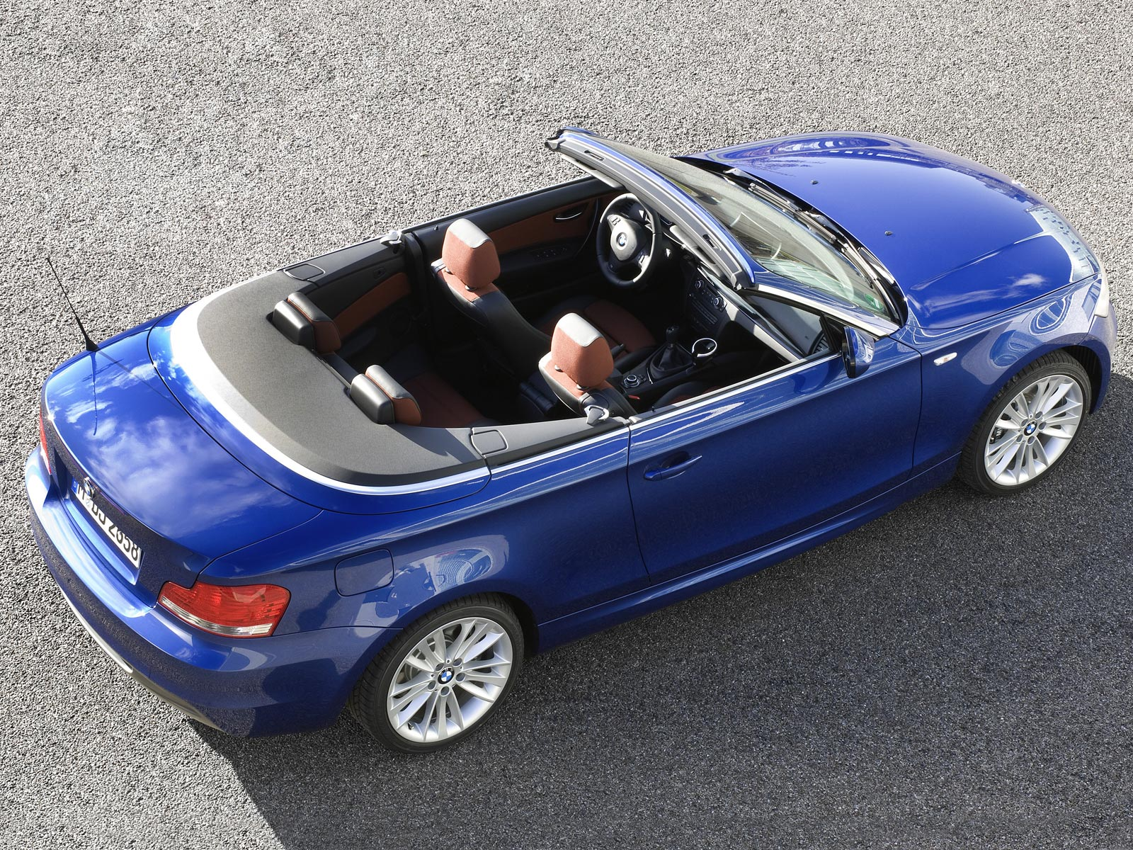 2019 BMW 135i Convertible photo - 6