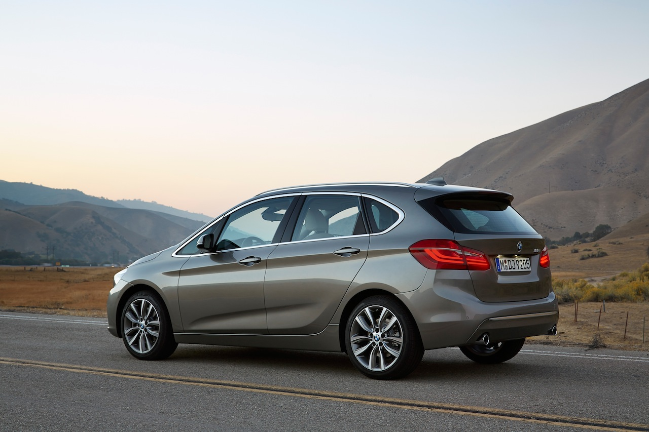 2019 BMW 2 Series Active Tourer photo - 1