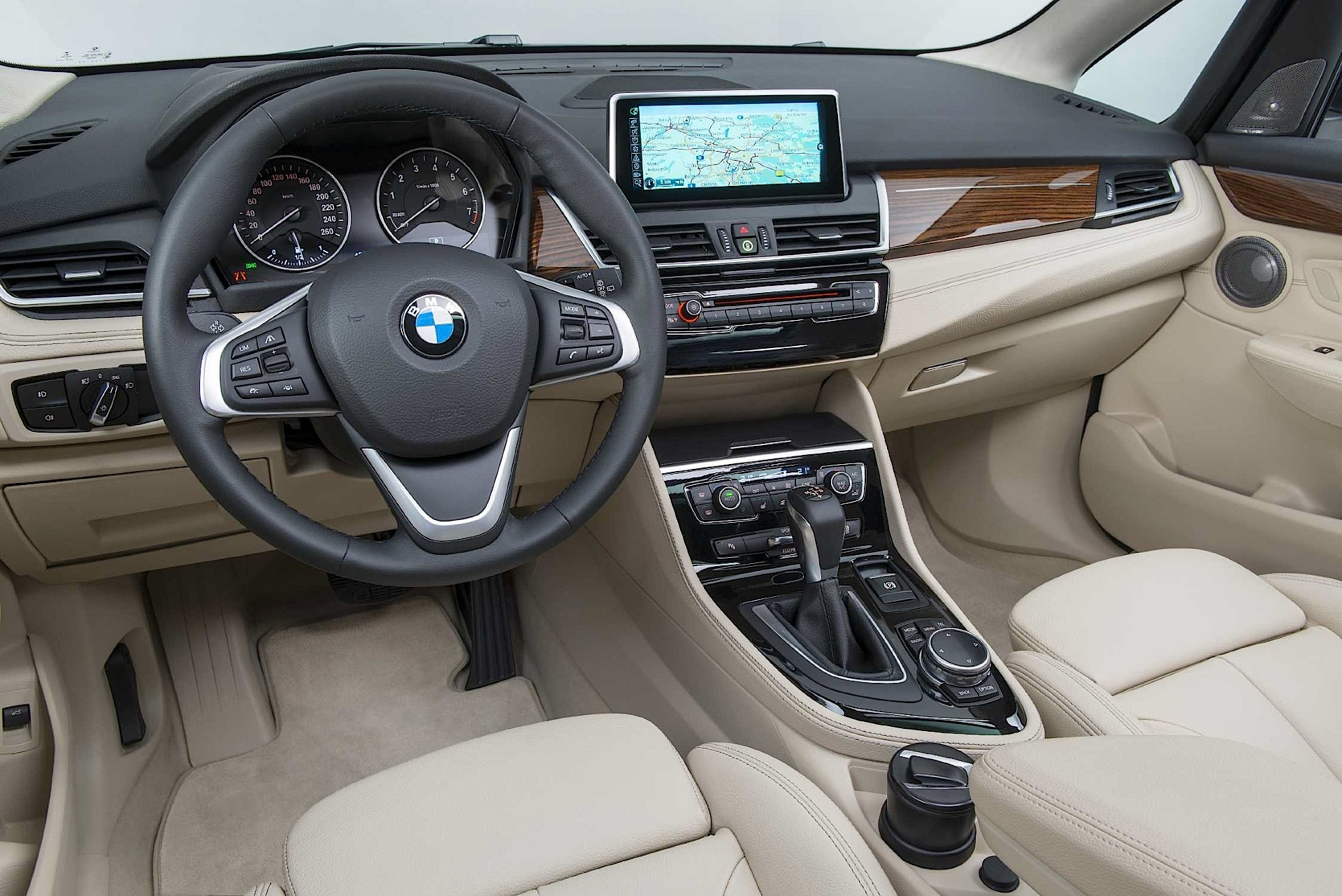 2019 BMW 2 Series Active Tourer photo - 4