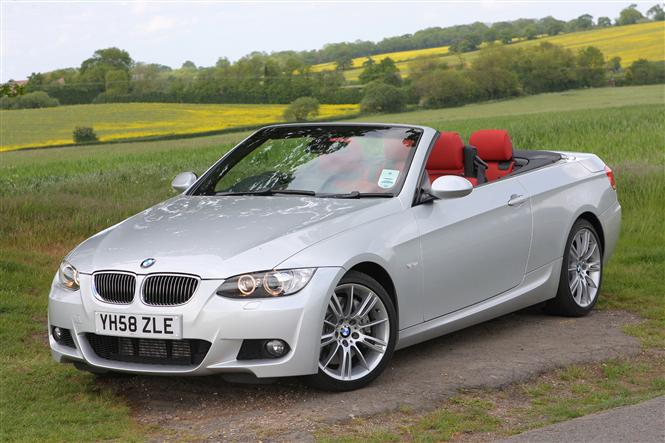 2019 BMW 3 Series Convertible photo - 5