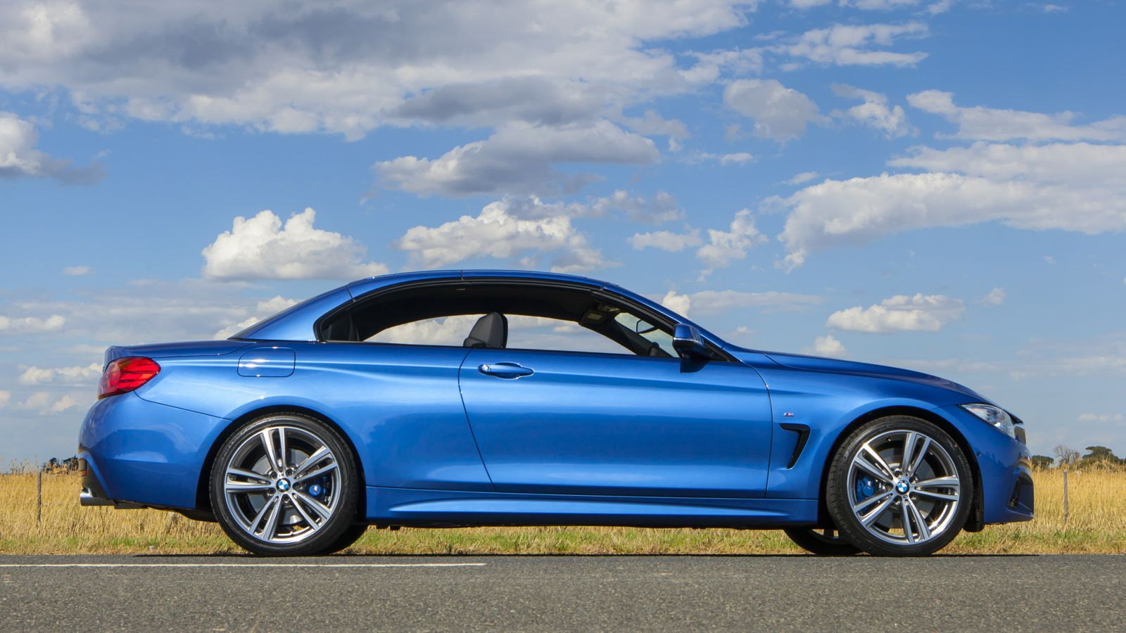 2019 BMW 4 Series Convertible photo - 1