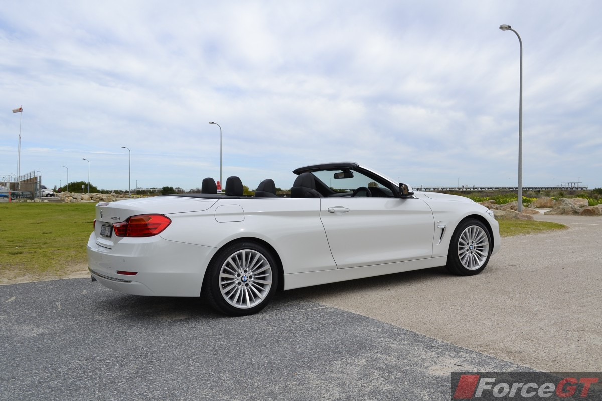2019 BMW 4 Series Convertible photo - 3