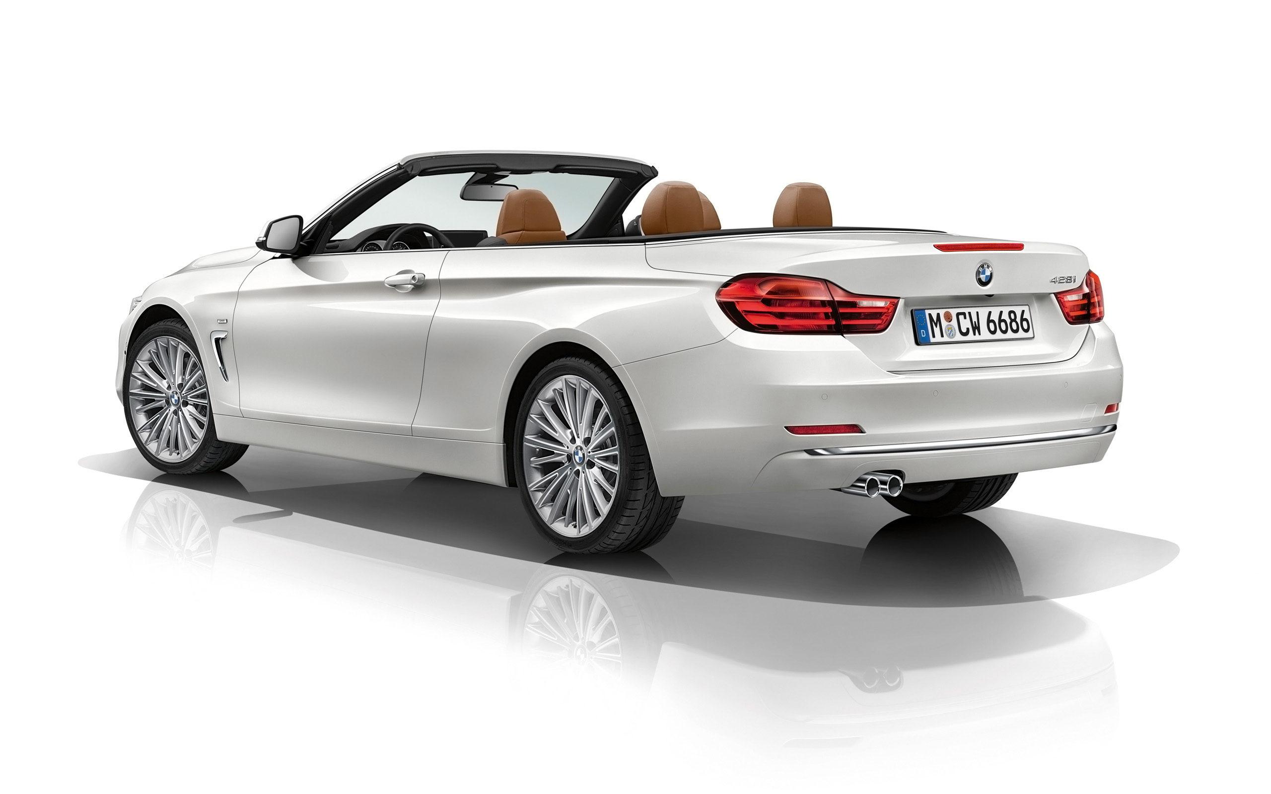 2019 BMW 4 Series Convertible photo - 6
