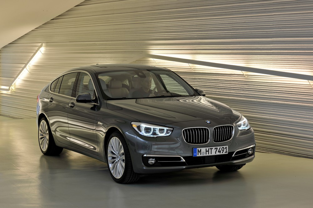 2019 BMW 5 Series Gran Turismo photo - 4