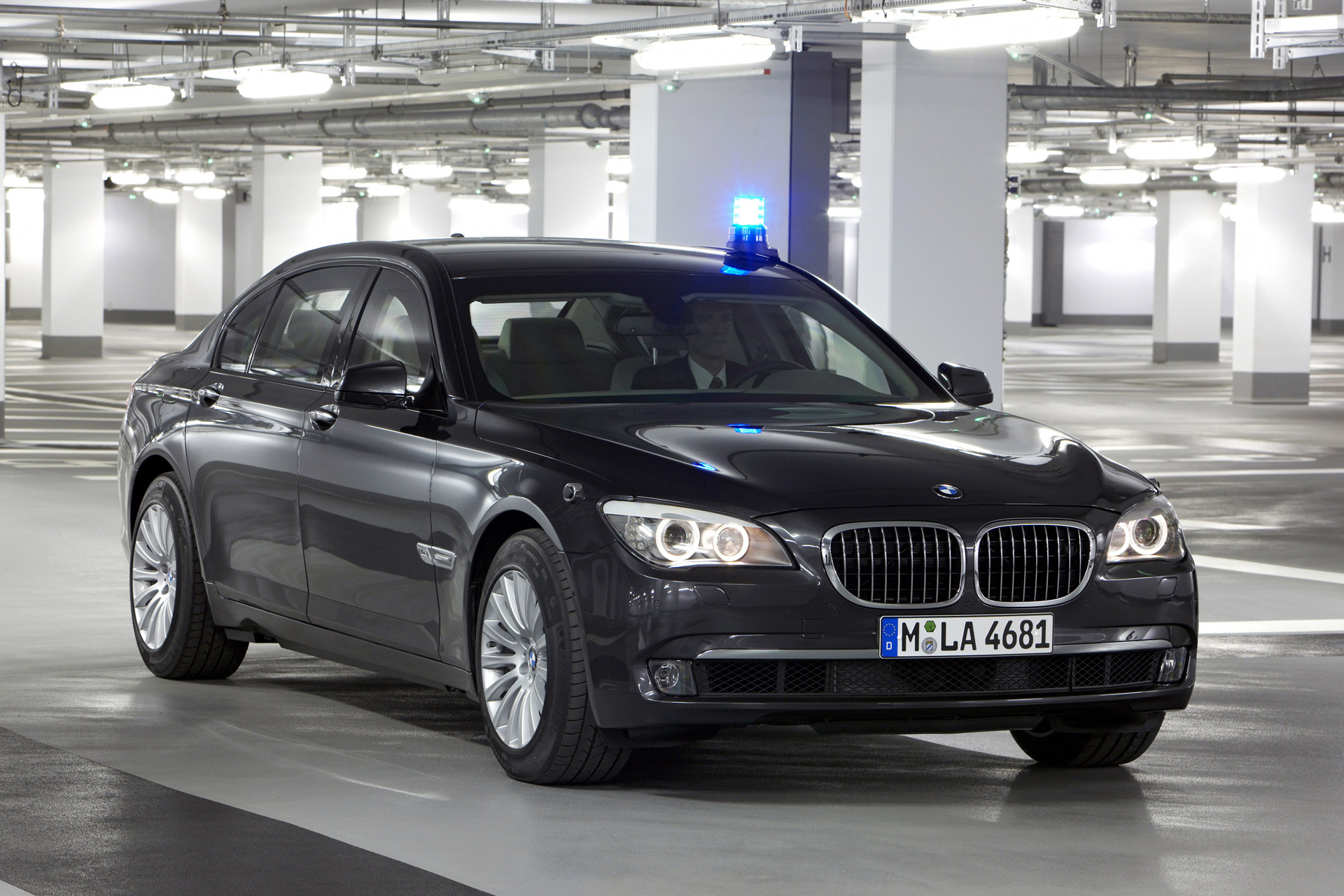 2019 BMW 7 Series High Security photo - 6
