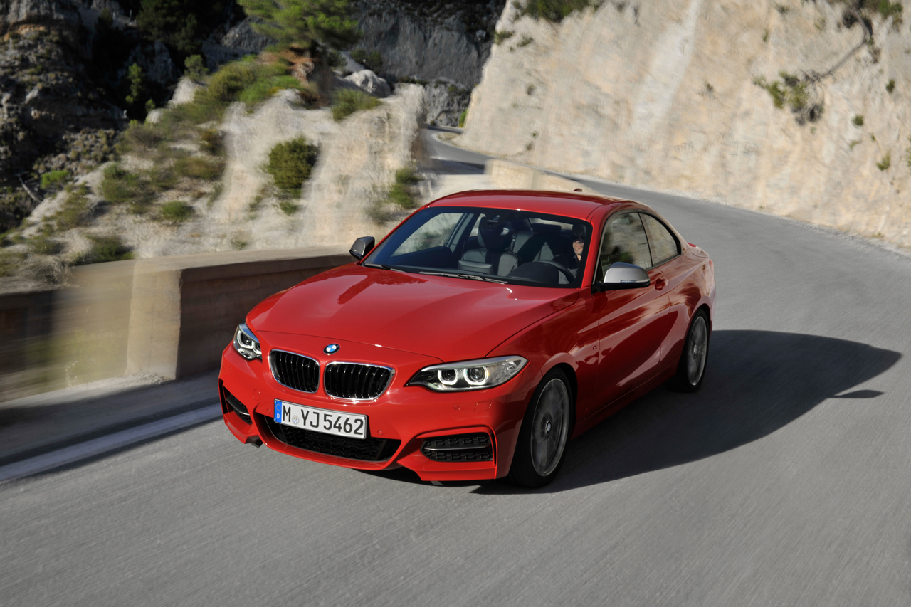 2019 BMW M235i Coupe photo - 3