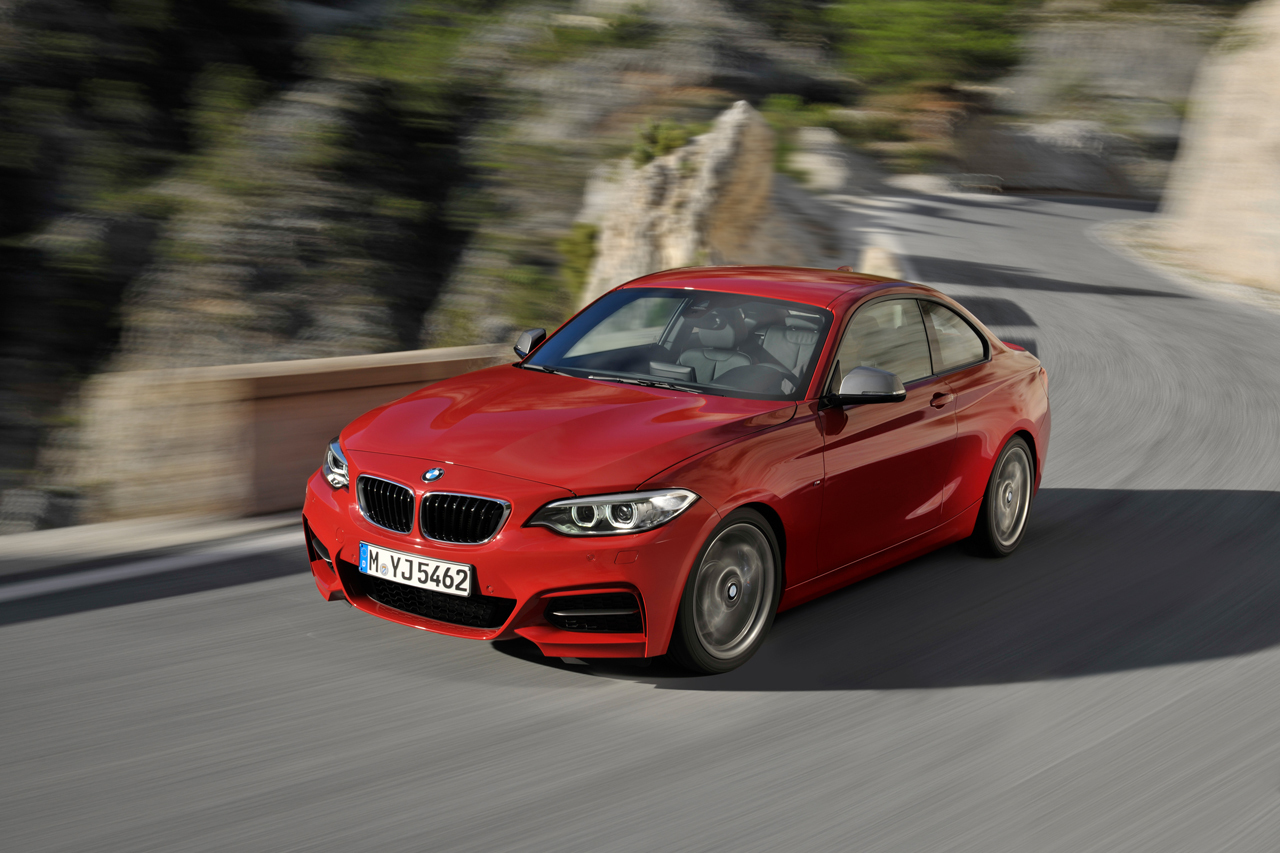 2019 BMW M235i Coupe photo - 4