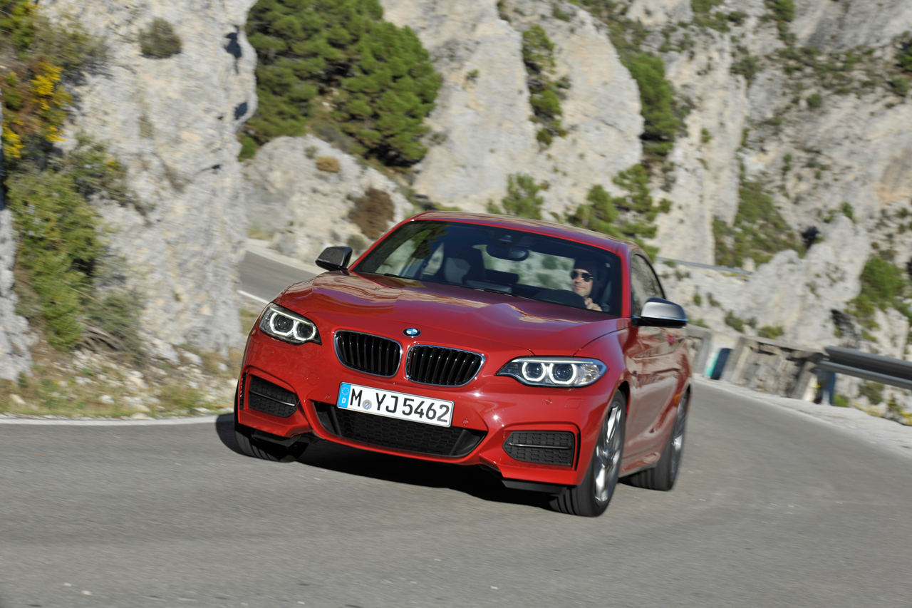 2019 BMW M235i Coupe photo - 6