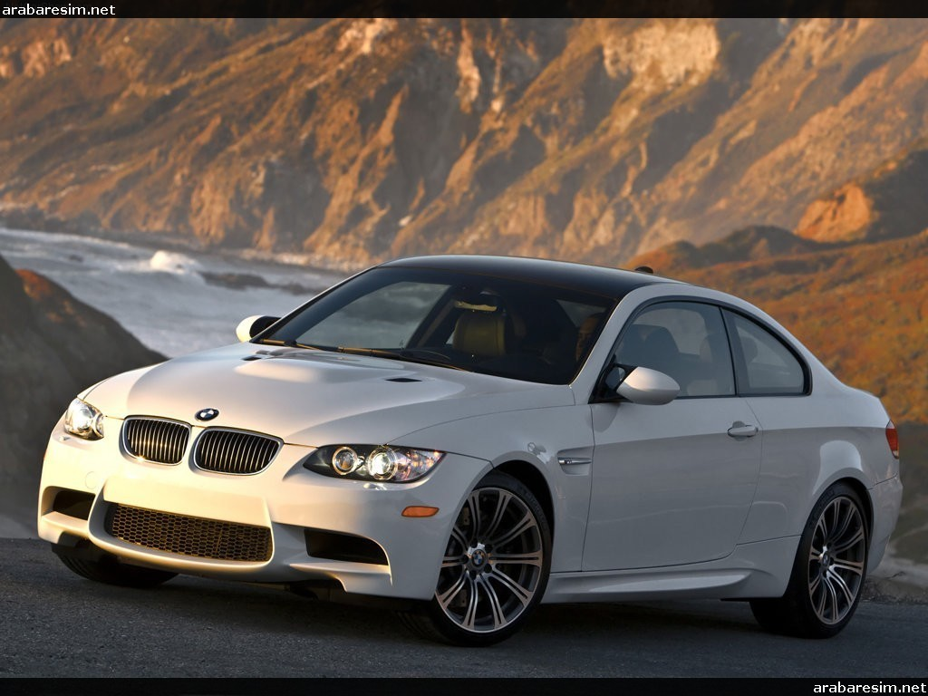 2019 BMW M3 Sedan US Version photo - 2