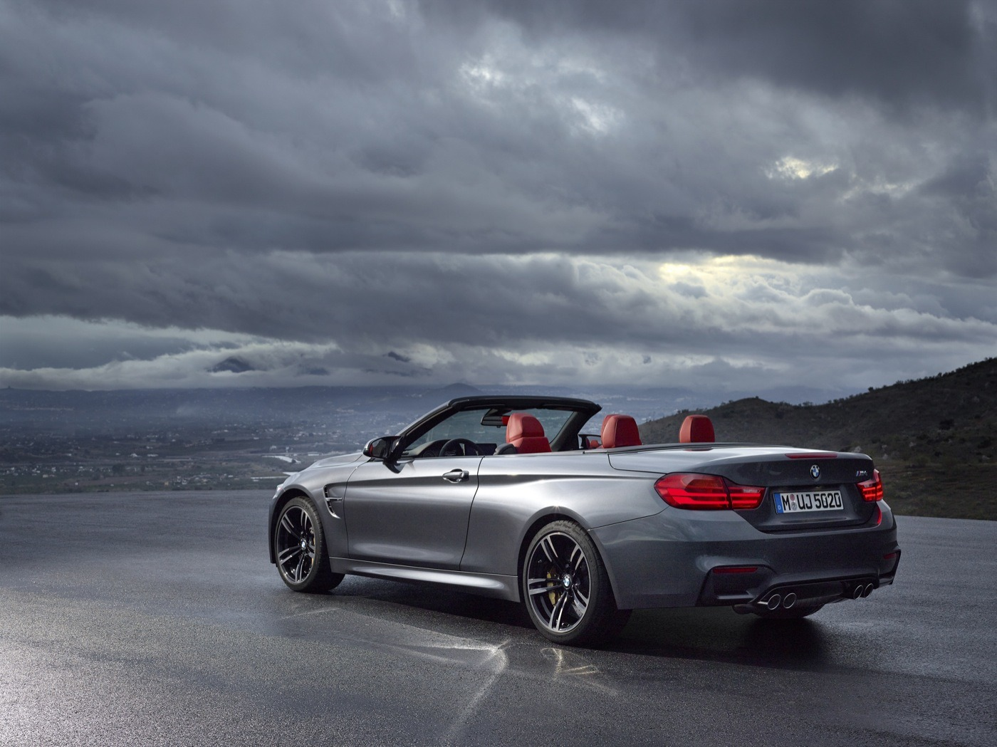 2019 BMW M4 Convertible photo - 1
