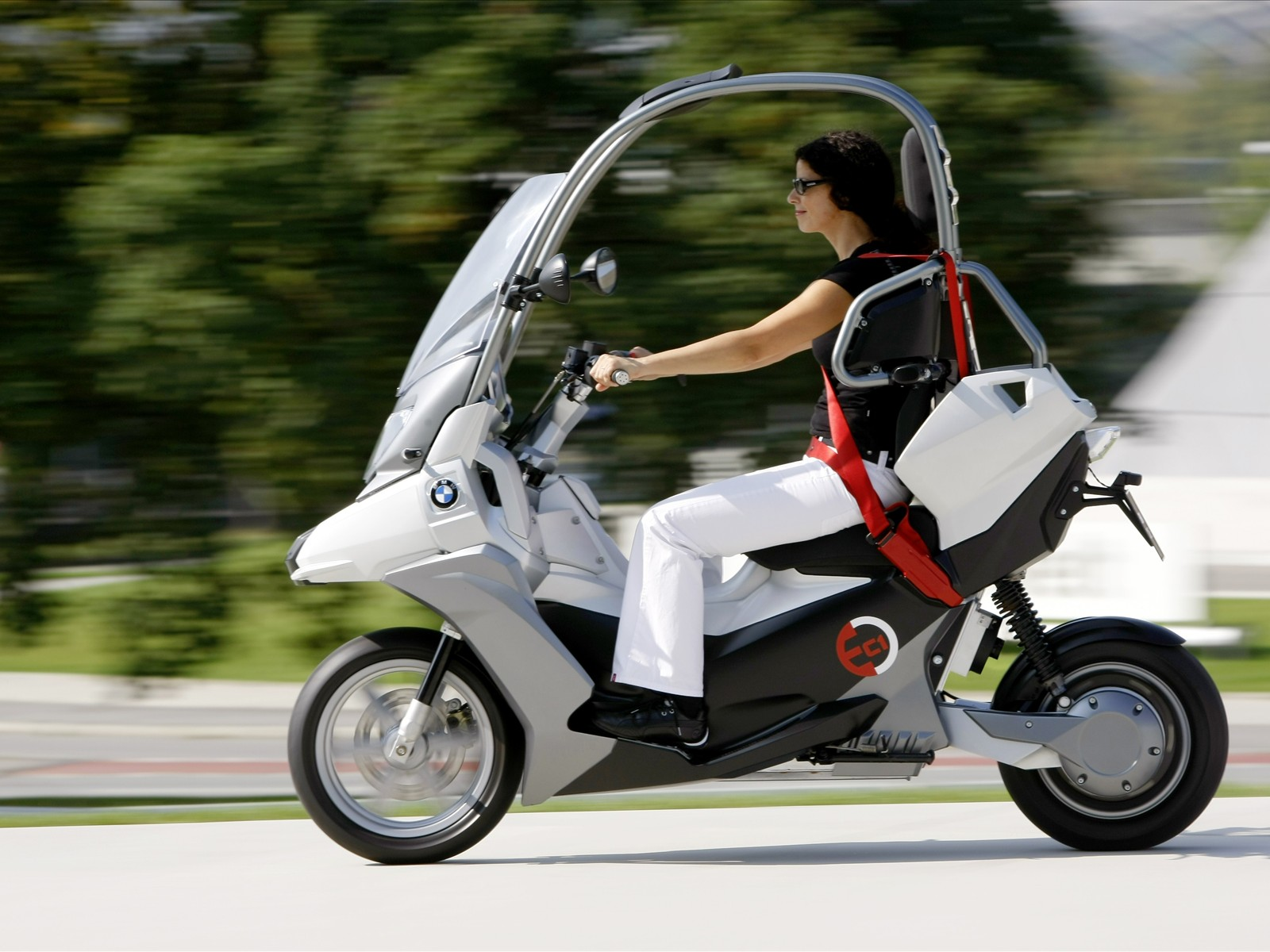 2019 BMW Scooter C Concept photo - 5