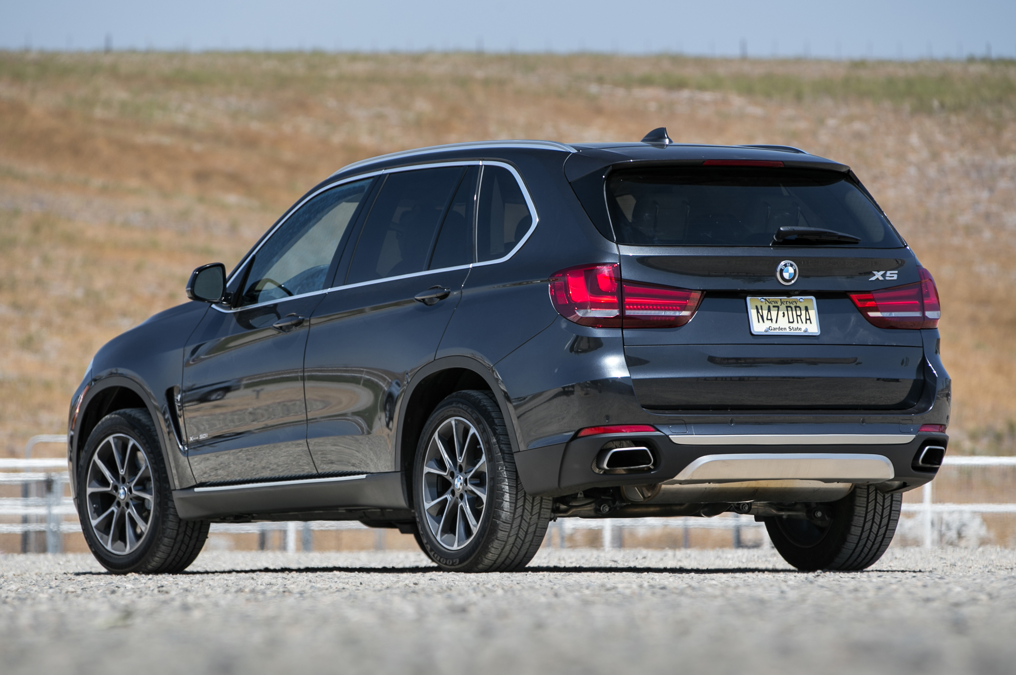 2019 BMW X5 Security Plus Concept photo - 3