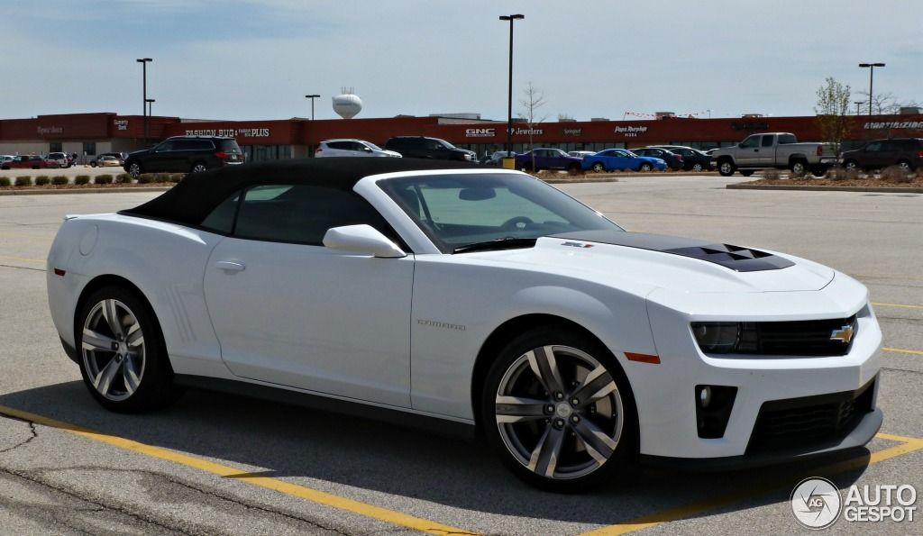2019 Chevrolet Camaro ZL1 Convertible photo - 6