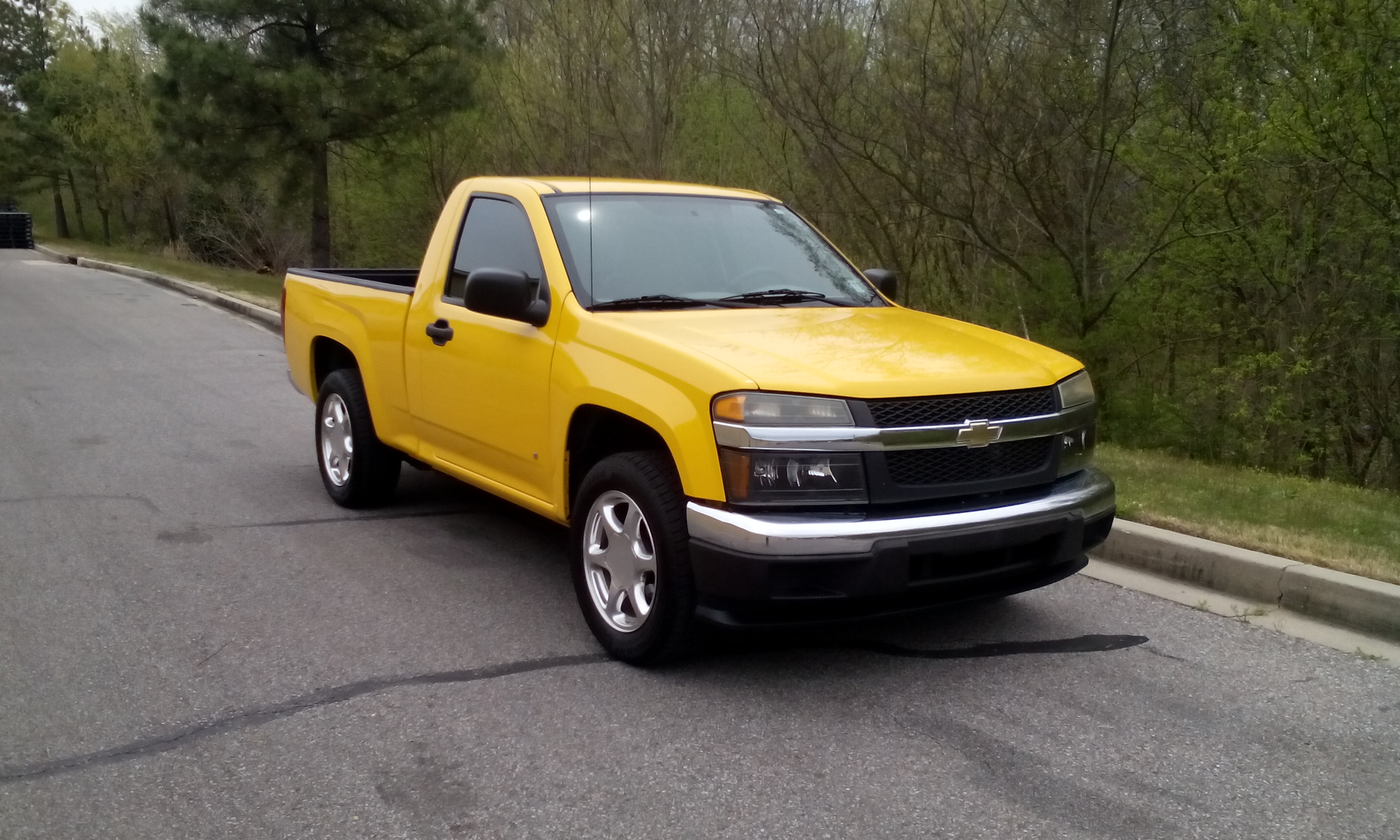 2019 Chevrolet Colorado Regular Cab photo - 4