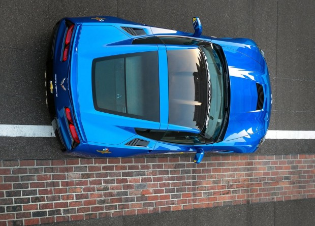 2019 Chevrolet Corvette Stingray Indy 500 Pace Car photo - 1