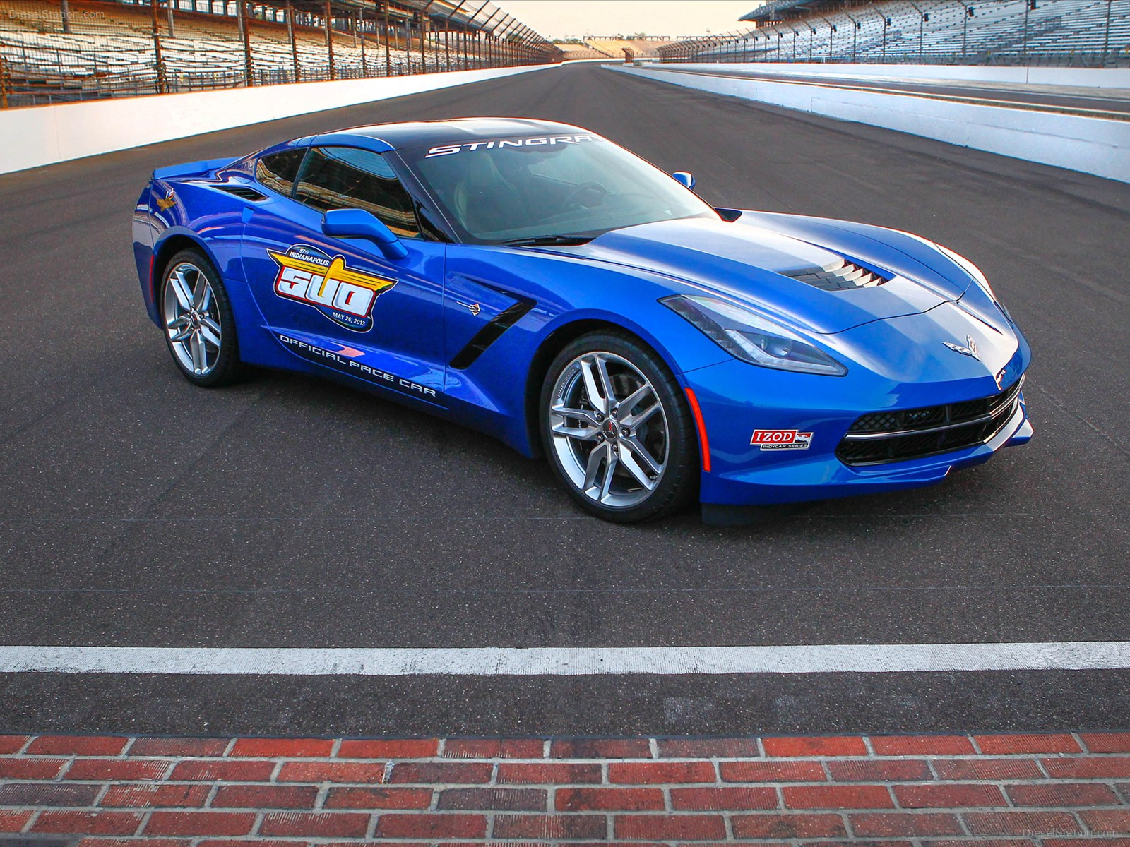2019 Chevrolet Corvette Stingray Indy 500 Pace Car photo - 4