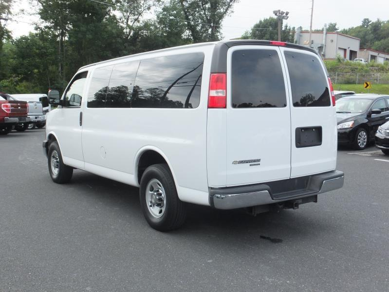 2019 Chevrolet Express photo - 2