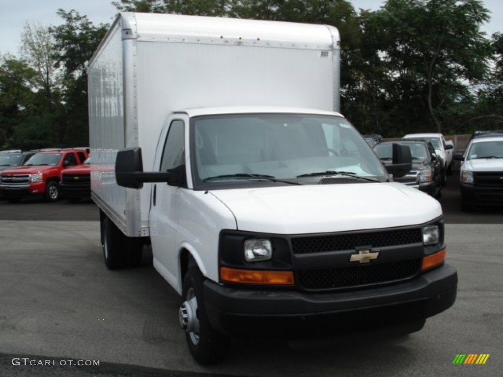 2019 Chevrolet Express photo - 3
