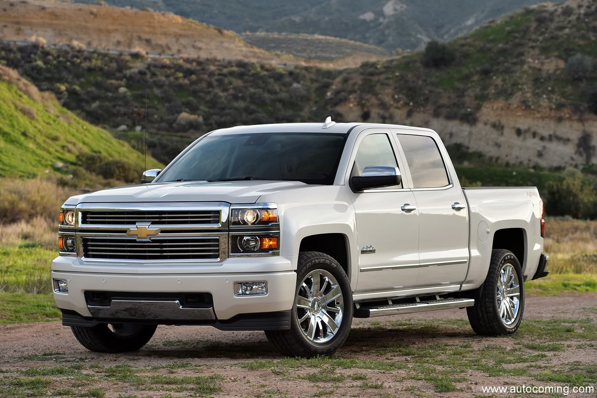 2019 Chevrolet Silverado High Country photo - 1