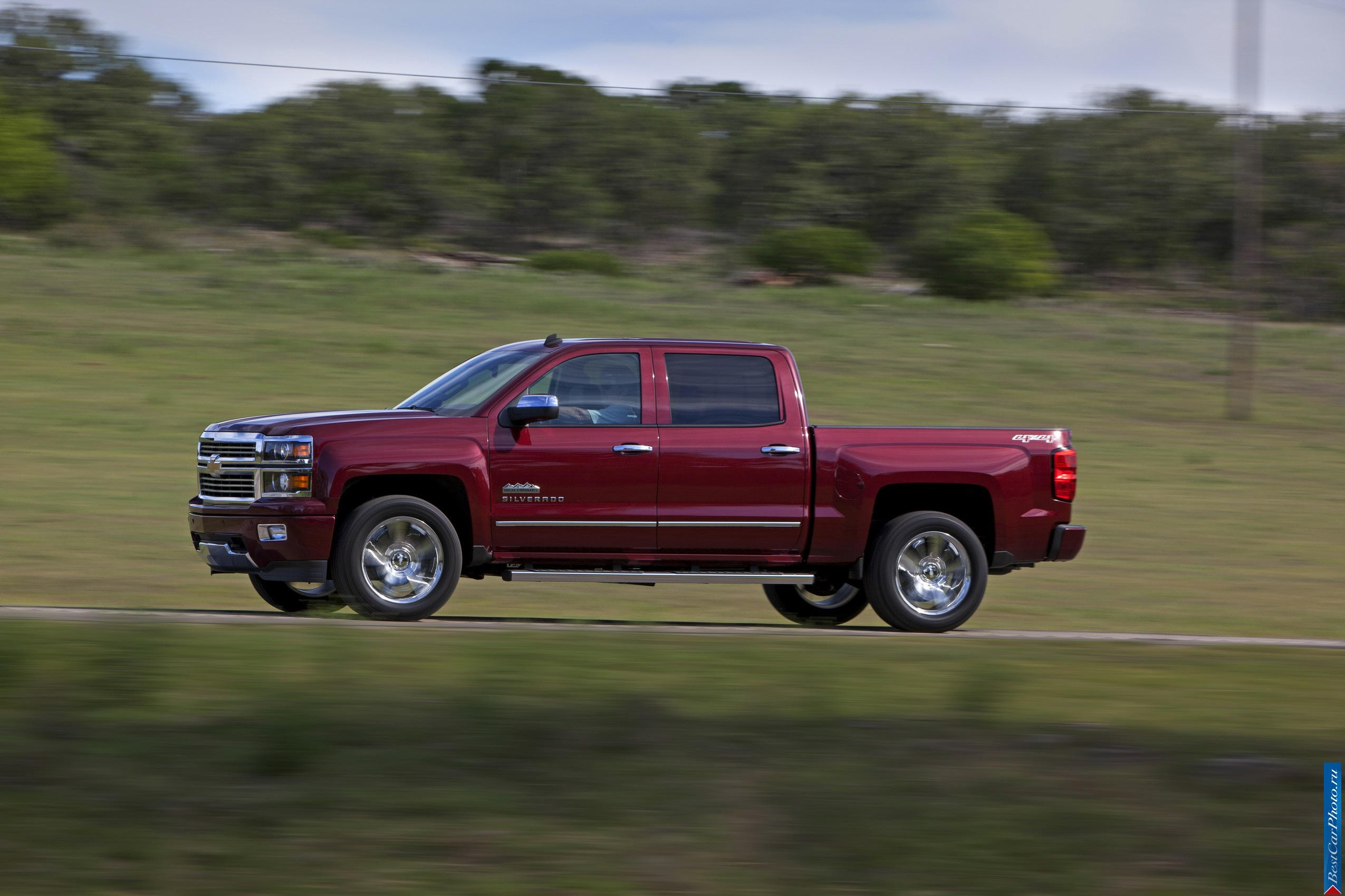 2019 Chevrolet Silverado High Country photo - 3