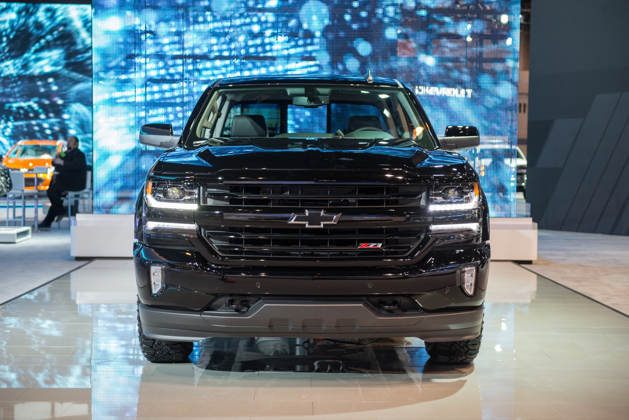 2019 Chevrolet Silverado Midnight Edition photo - 2