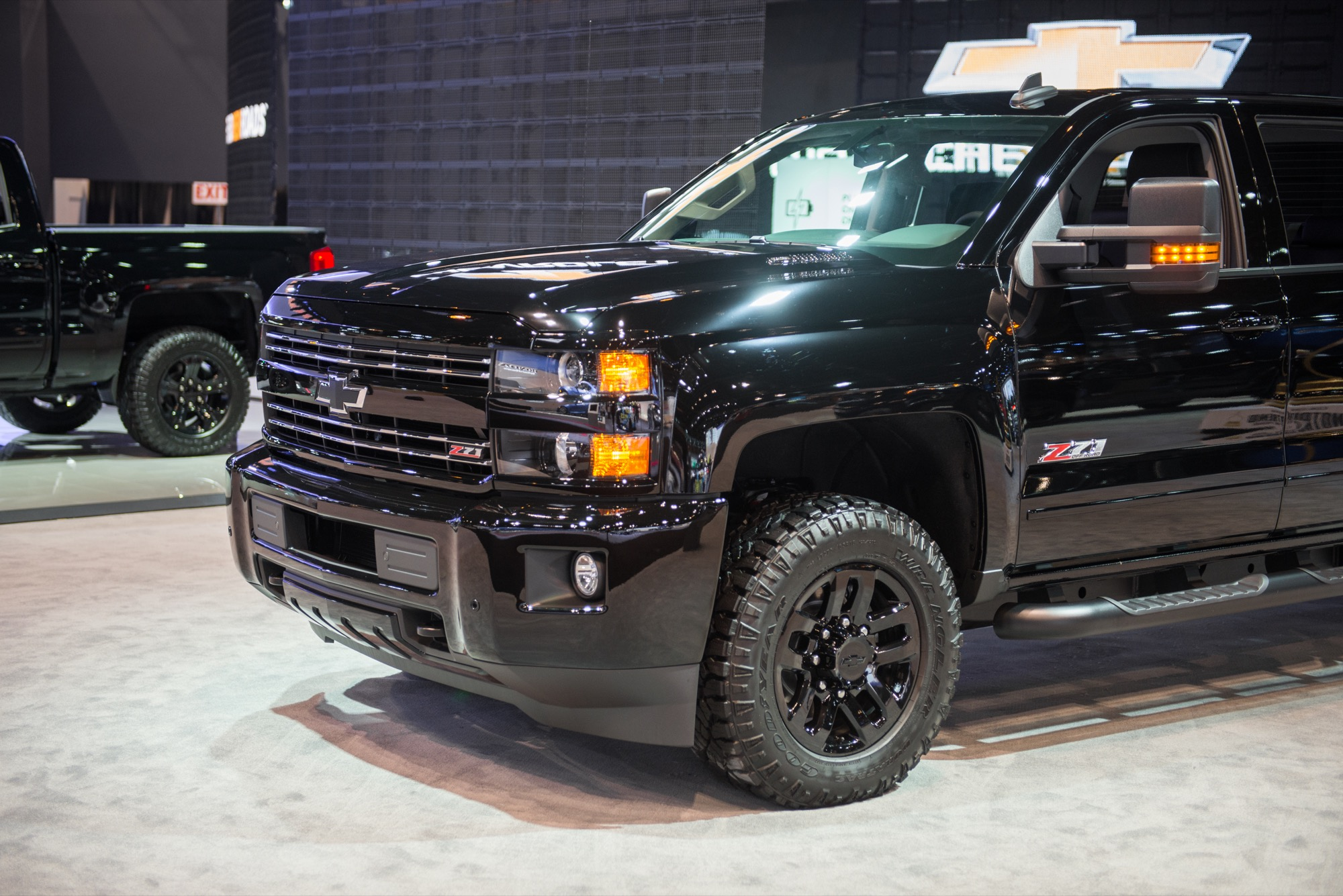 2019 Chevrolet Silverado Midnight Edition photo - 5