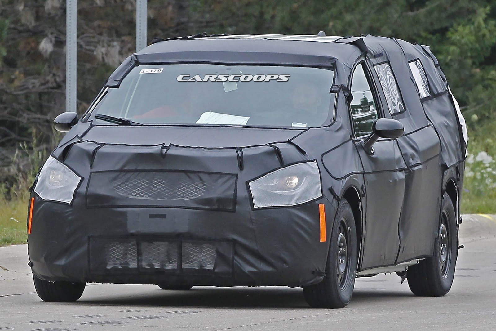 2019 Chrysler Town and Country photo - 1