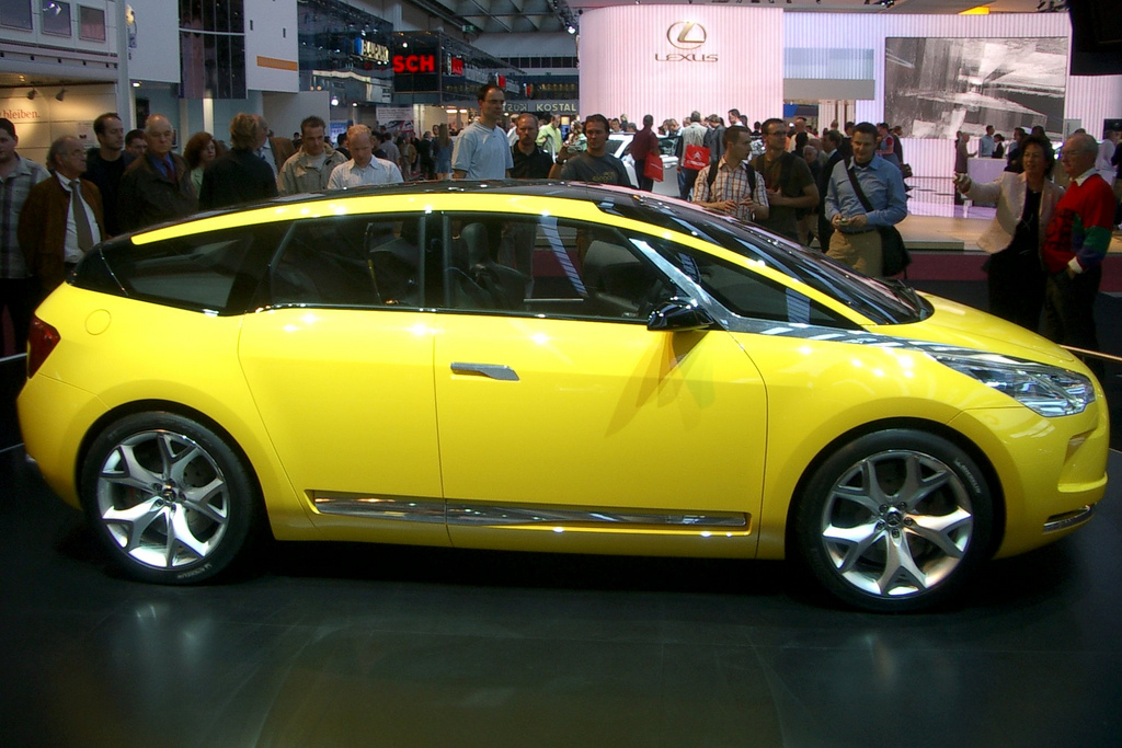 2019 Citroen C SportLounge Concept Car photo - 6