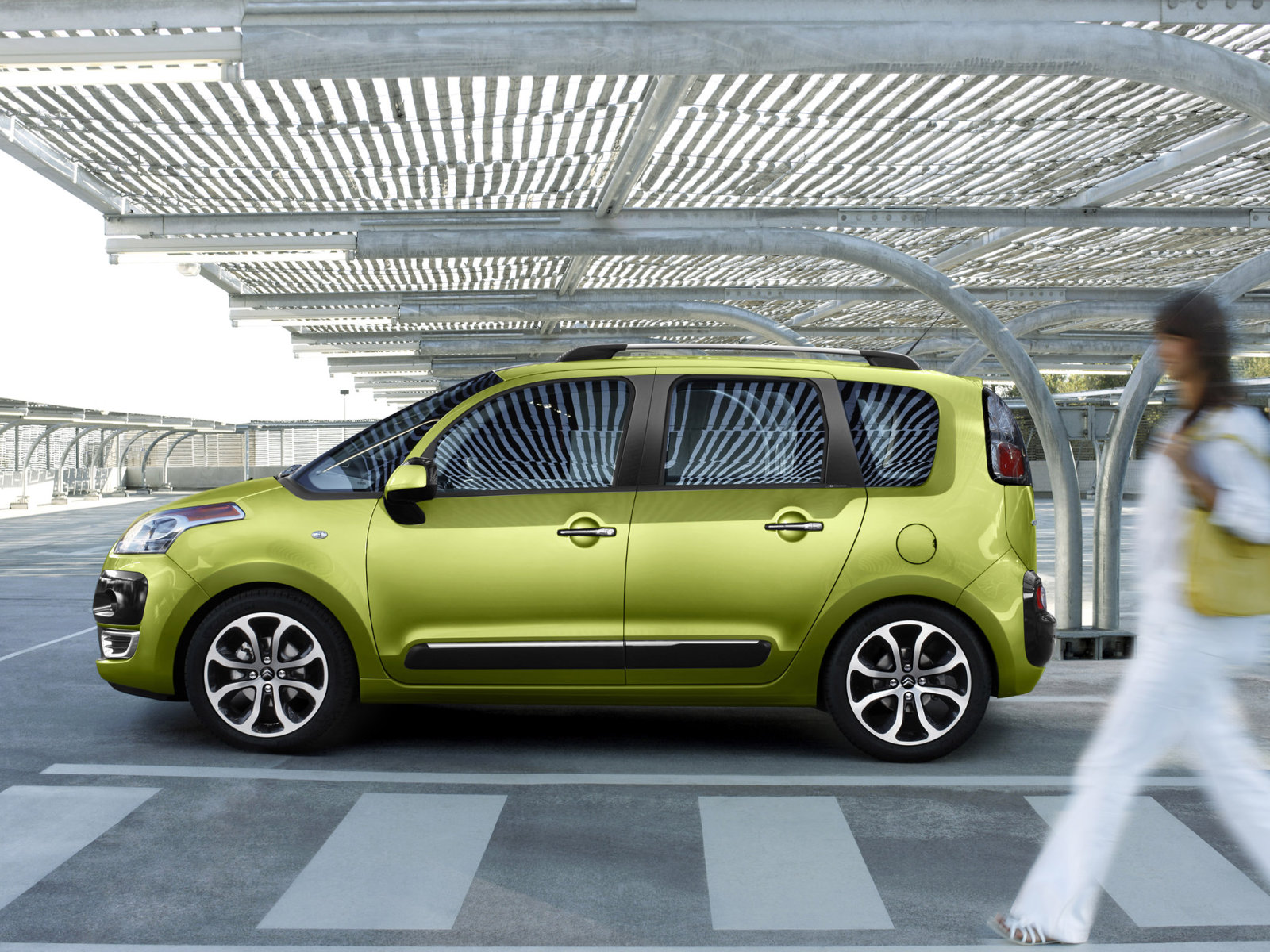 2019 Citroen C3 Picasso photo - 2