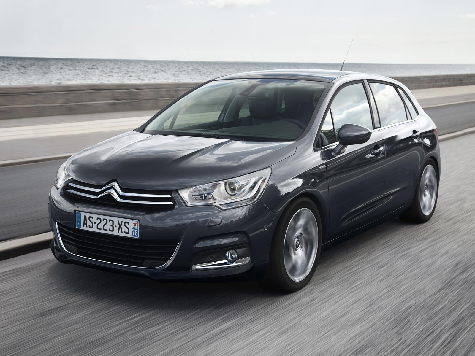 2019 Citroen C8 Exclusive photo - 2