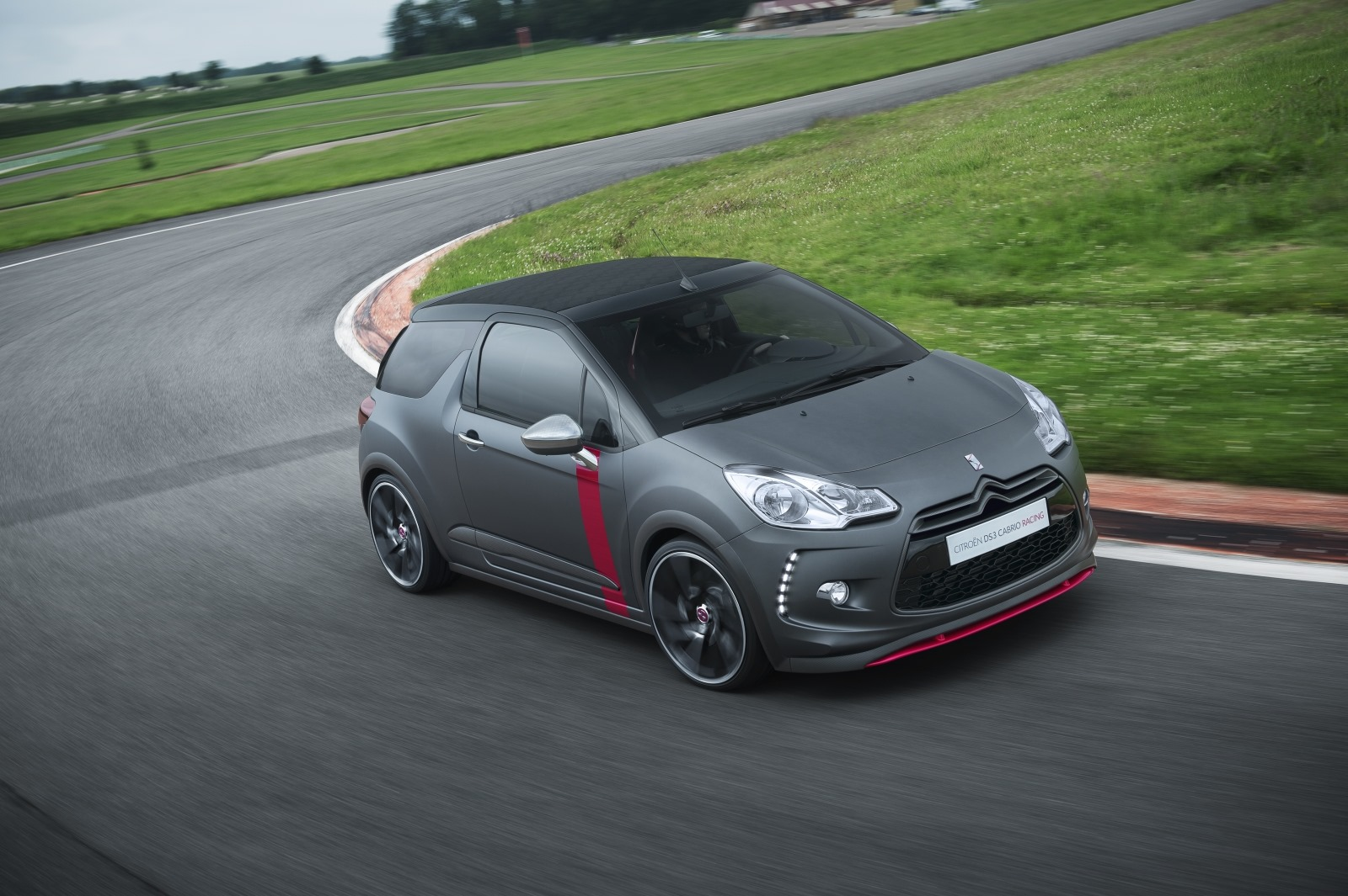 2019 Citroen DS3 Cabrio Racing Concept photo - 6