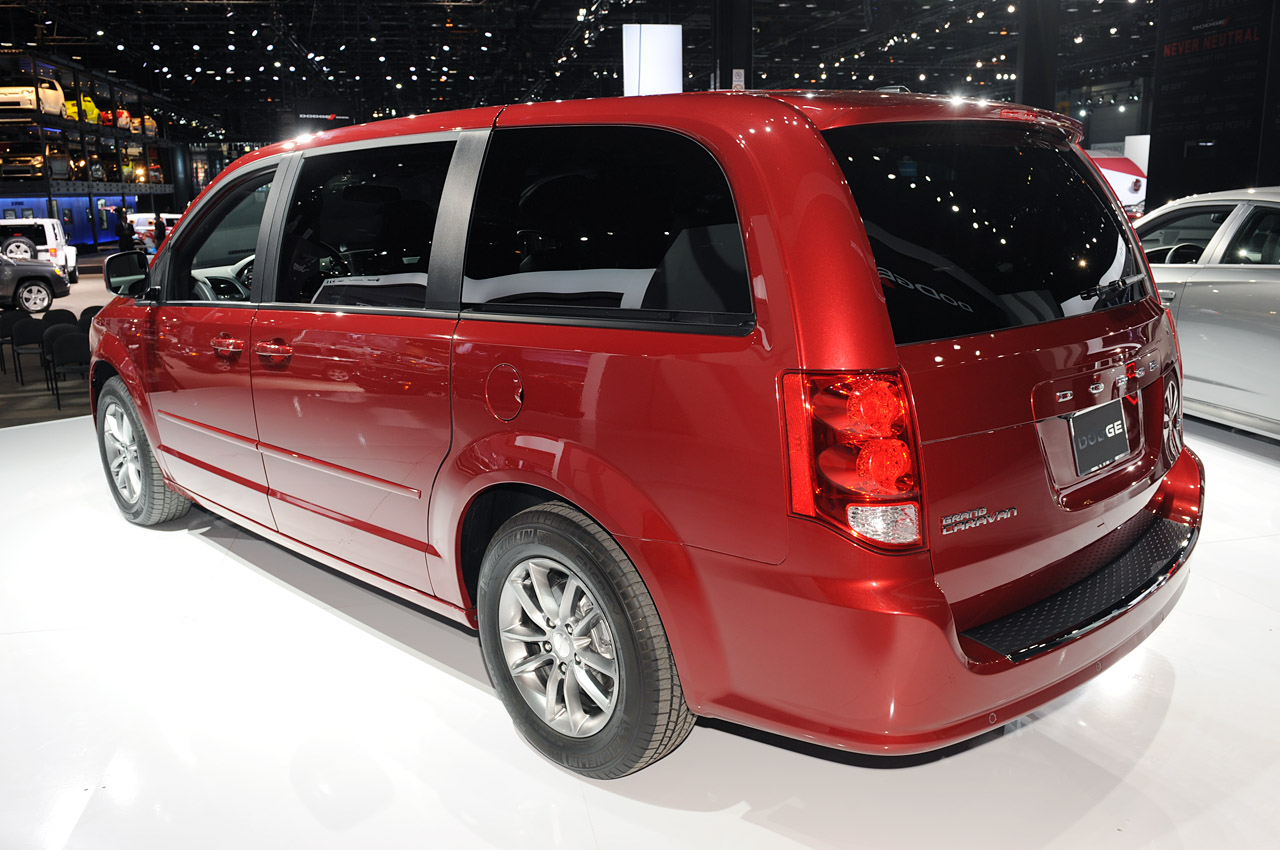 2019 Dodge Caravan RT Concept photo - 1