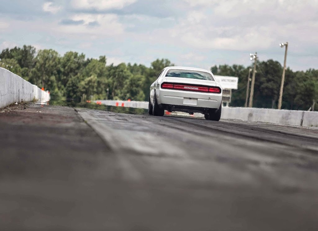 2019 Dodge Challenger Mopar Drag Pak Concept photo - 4