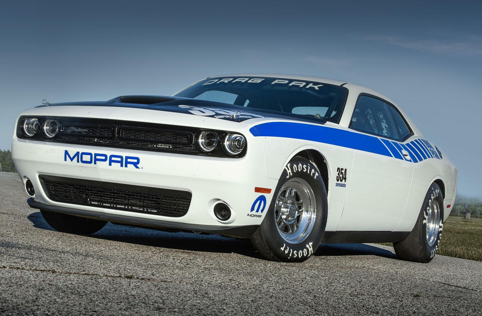 2019 Dodge Challenger Mopar Drag Pak Concept photo - 6