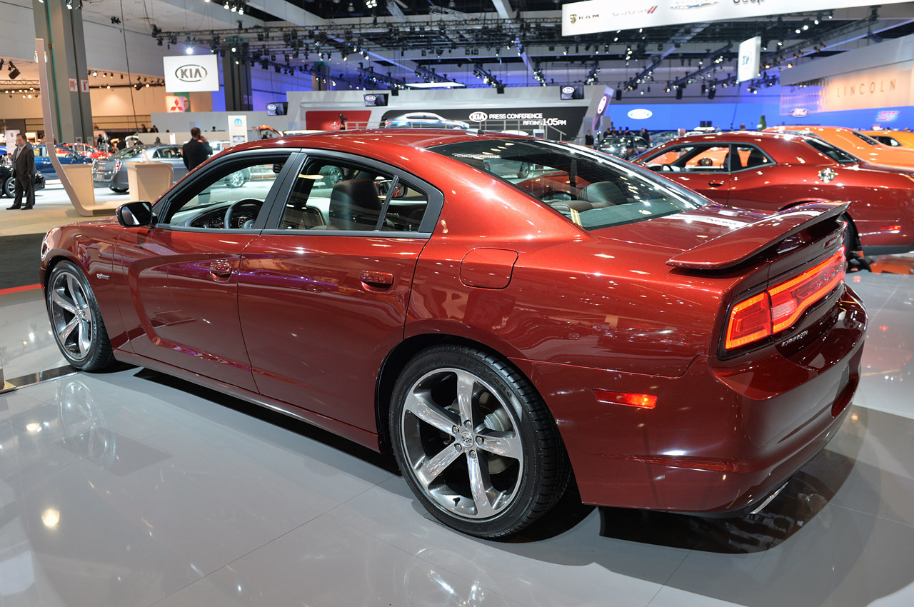 2019 Dodge Charger 100th Anniversary Edition photo - 6