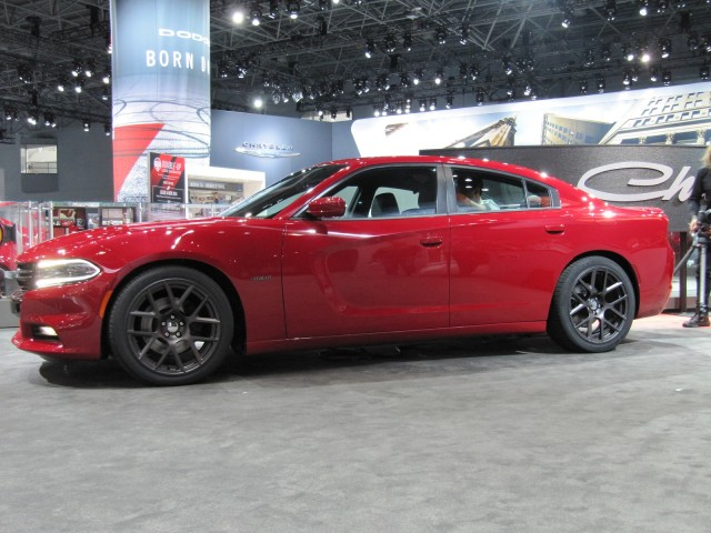 2019 Dodge Charger photo - 2